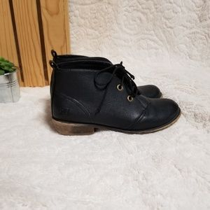 Dirty Laundry fall booties.